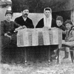 И. Гаспринский в кругу семьи. 1890 г.