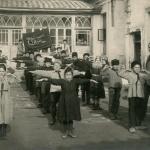 Зарядка в городской школе
