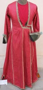 Фото 3. Антер – платье из красного дамасского атласа. Крым, XIX в. Фонды БИКАМЗ.