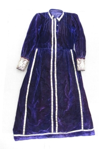 Фото 4. Антер – платье из фиолетового бархата. Крым, н. ХХ в. Фонды БИКАМЗ.