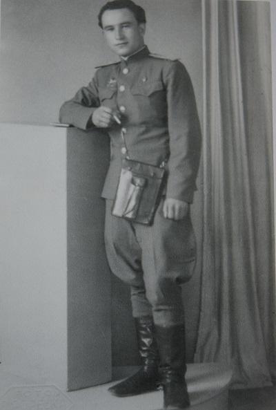 Портрет Садрединова Р., 1945 г., дар семьи.